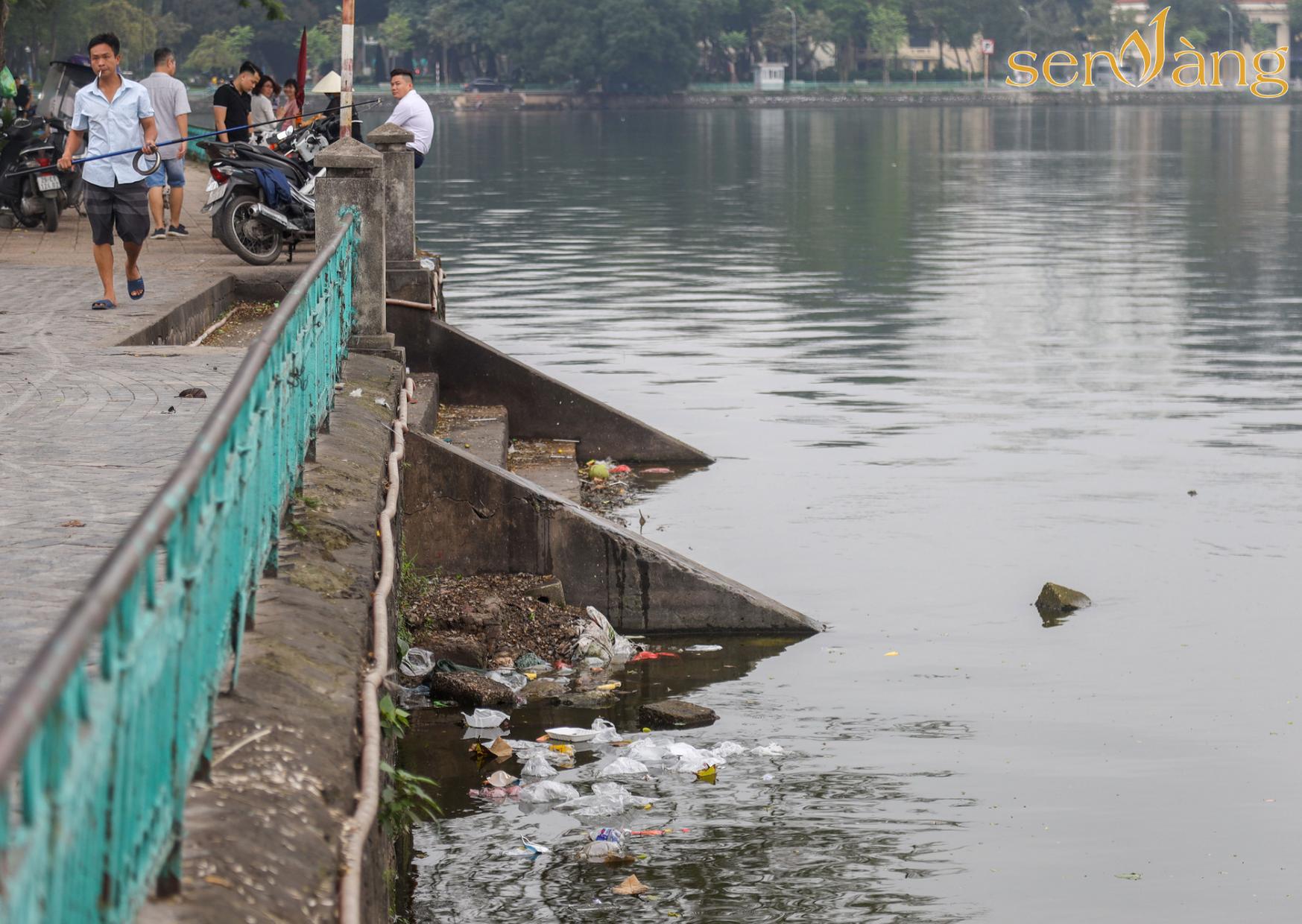 Khẩn trương thực hiện các biện pháp cải thiện chất lượng môi trường nước hồ Tây