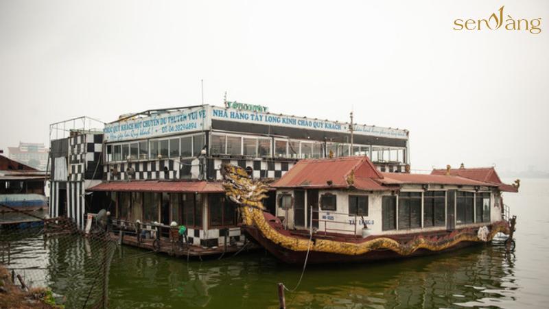 Hàng loạt du thuyền hoen gỉ vẫn bị bỏ hoang tại Hồ Tây